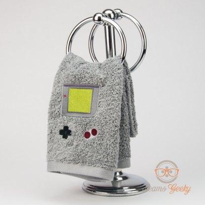 Etsy SeamsGeeky Game Boy Handtuch (1)