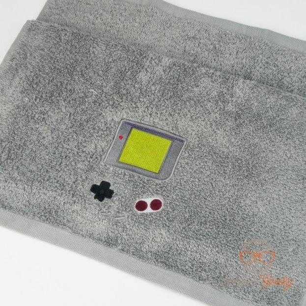 Etsy SeamsGeeky Game Boy Handtuch (4)